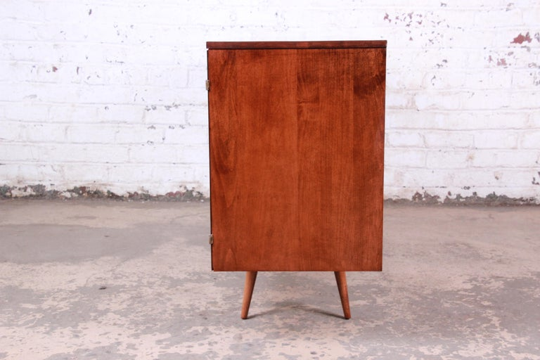 Paul McCobb Planner Group Credenza or Media Cabinet, Newly Refinished For Sale 5