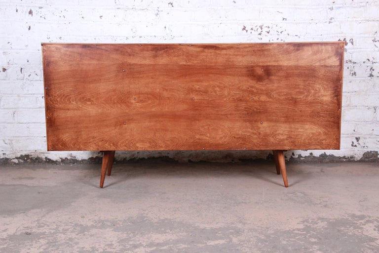 Paul McCobb Planner Group Credenza or Media Cabinet, Newly Refinished For Sale 6