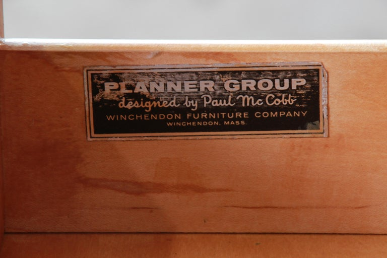 Paul McCobb Planner Group Credenza or Media Cabinet, Newly Refinished For Sale 7