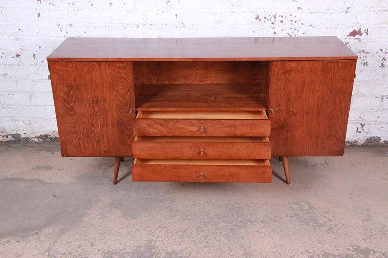 Mid-20th Century Paul McCobb Planner Group Credenza or Media Cabinet, Newly Refinished For Sale