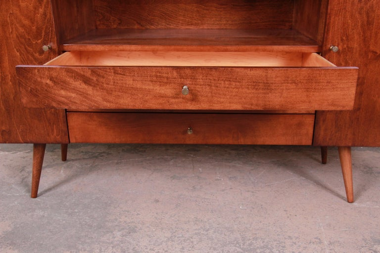 Paul McCobb Planner Group Credenza or Media Cabinet, Newly Refinished For Sale 1