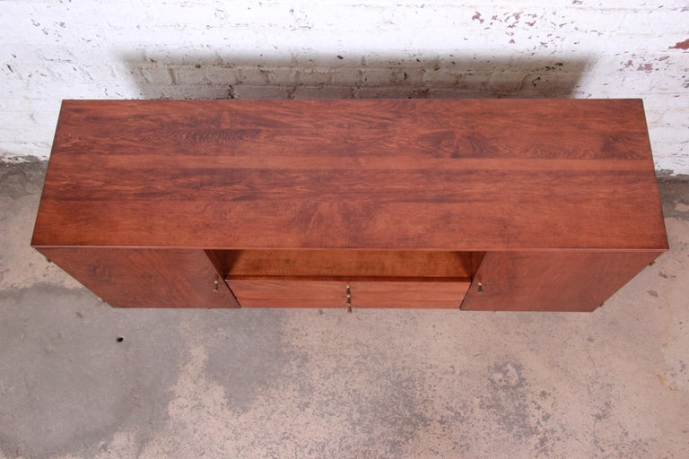 Paul McCobb Planner Group Credenza or Media Cabinet, Newly Refinished For Sale 2