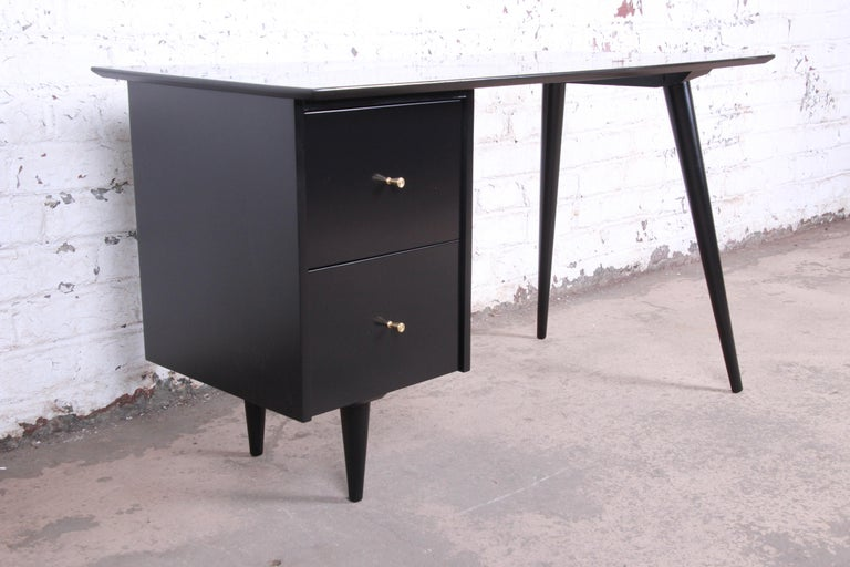 Mid-Century Modern Paul McCobb Planner Group Midcentury Black Lacquered Writing Desk, Restored For Sale
