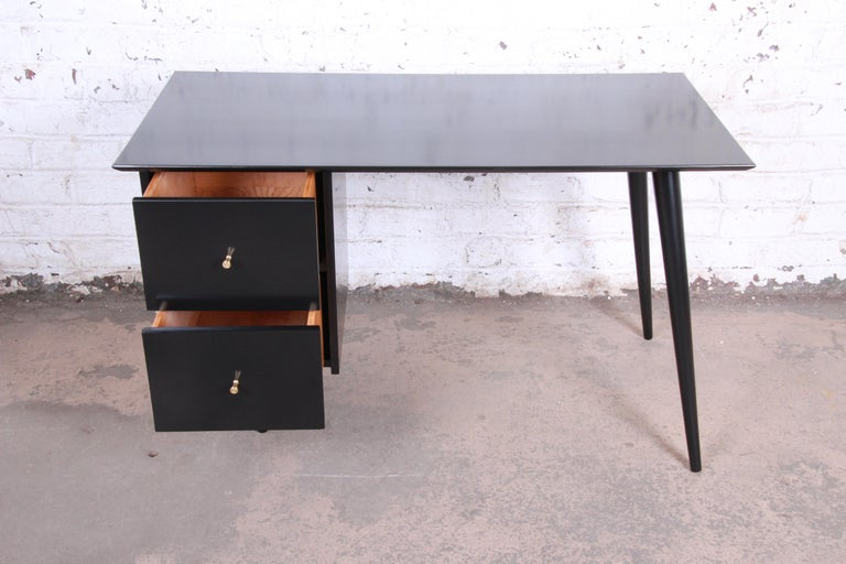 Paul McCobb Planner Group Midcentury Black Lacquered Writing Desk, Restored In Good Condition For Sale In South Bend, IN