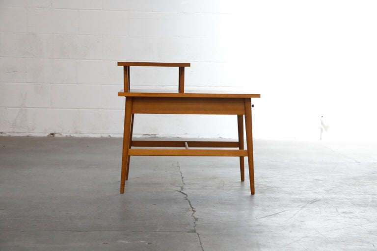 Paul McCobb Planner Group Side Table or Nightstand for Winchedon, circa 1950 For Sale 3