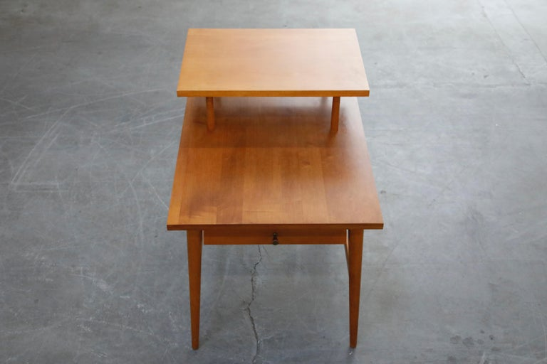 Mid-Century Modern Paul McCobb Planner Group Side Table or Nightstand for Winchedon, circa 1950 For Sale