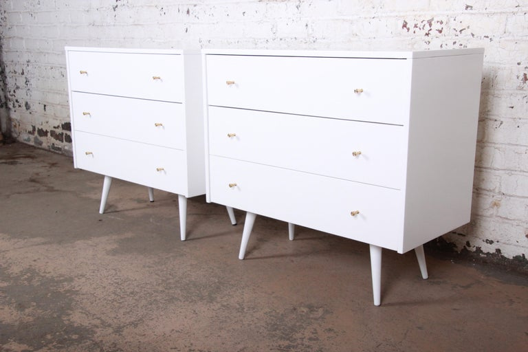 Paul McCobb Planner Group White Lacquered Chest or Large Nightstand, Restored For Sale 4