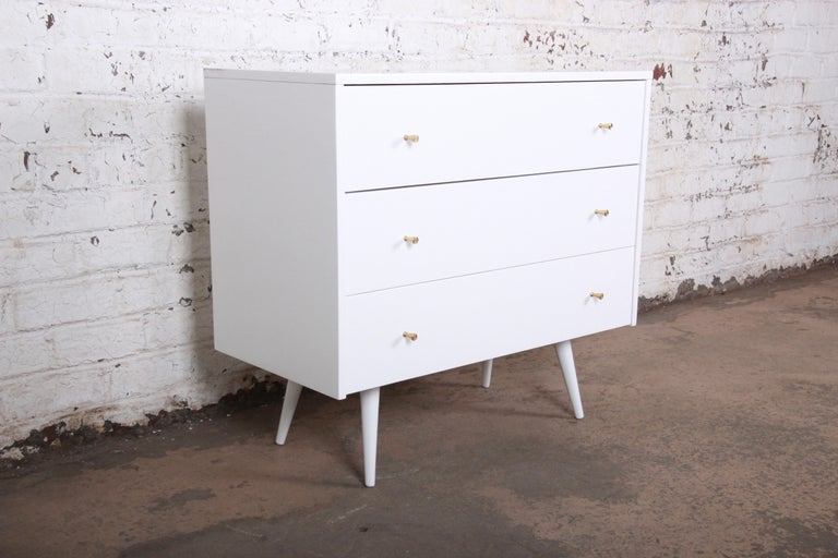 Mid-Century Modern Paul McCobb Planner Group White Lacquered Chest or Large Nightstand, Restored For Sale