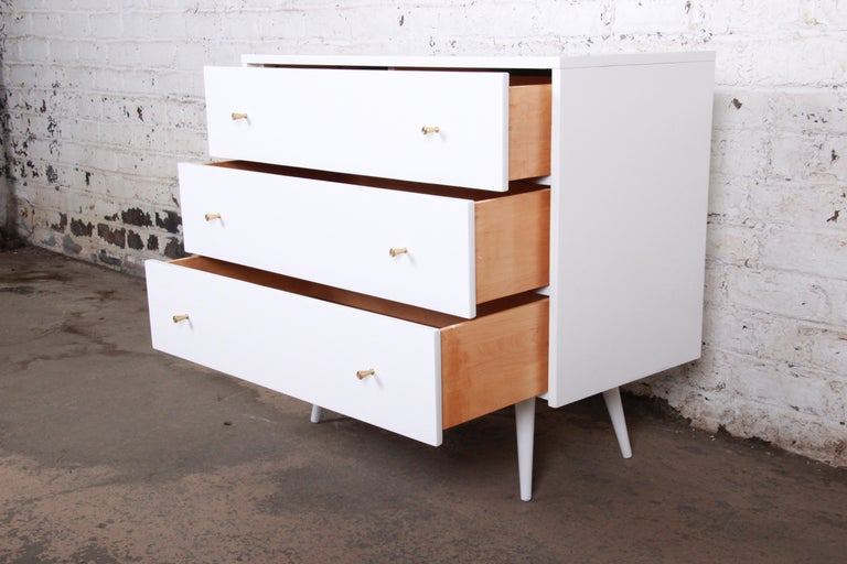 American Paul McCobb Planner Group White Lacquered Chest or Large Nightstand, Restored For Sale