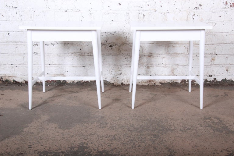 Paul McCobb Planner Group White Lacquered Nightstands, Newly Refinished For Sale 2