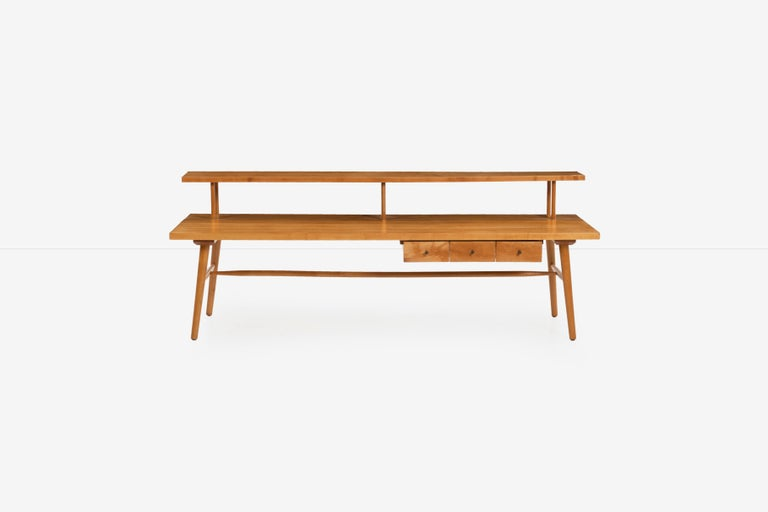 Paul McCobb sofa /cocktail table, predictor group, made by O'hearn, Solid maple-wood with turned supports, Three drawer storage below table surface, floating display shelf, dimensions: H 22.5