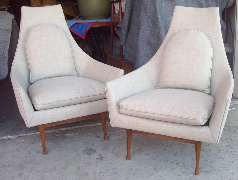 Great nice pair of early lounge chairs designed by Paul McCobb. Re-done, off-white, muted.