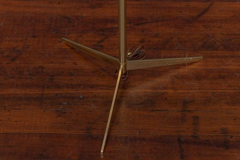 Mid-Century Modern Paul McCobb Tripod Floor Lamp For Sale