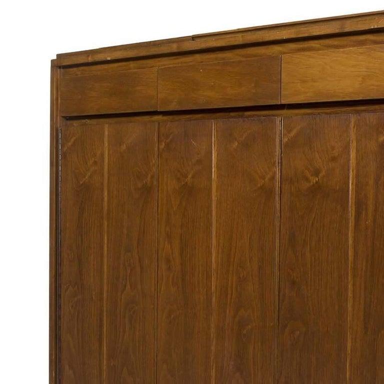 Vintage Paul McCobb Walnut Gentleman's chest by Widdicomb, circa 1960s. Original Widdicomb label still intact. Original condition. Four interior drawer fronts missing/need repair.
