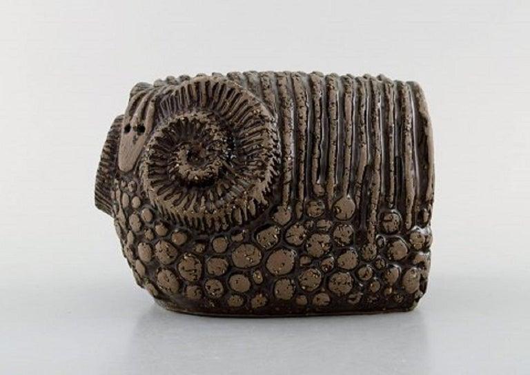 Paula von Freymann for Upsala-Ekeby. Ram in glazed stoneware, 1960s. In very good condition. Measures: 23 x 5 cm. Stamped.