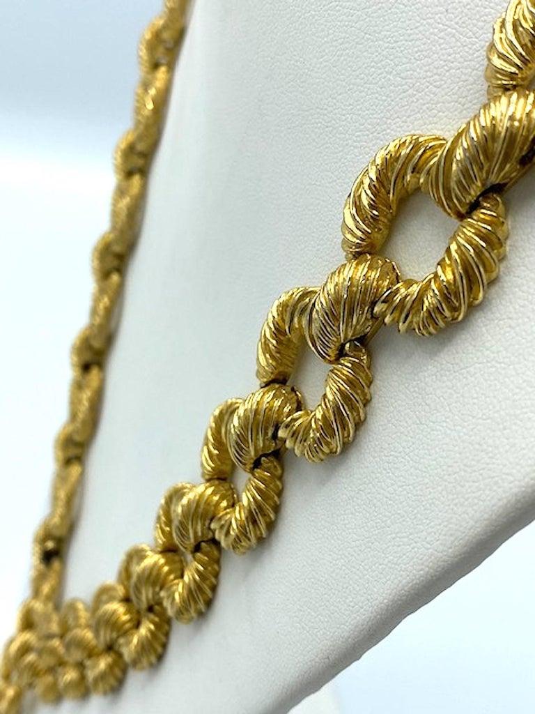 Pauline Rader 1970s Long Gold Rope Link Pendant Necklace For Sale 8