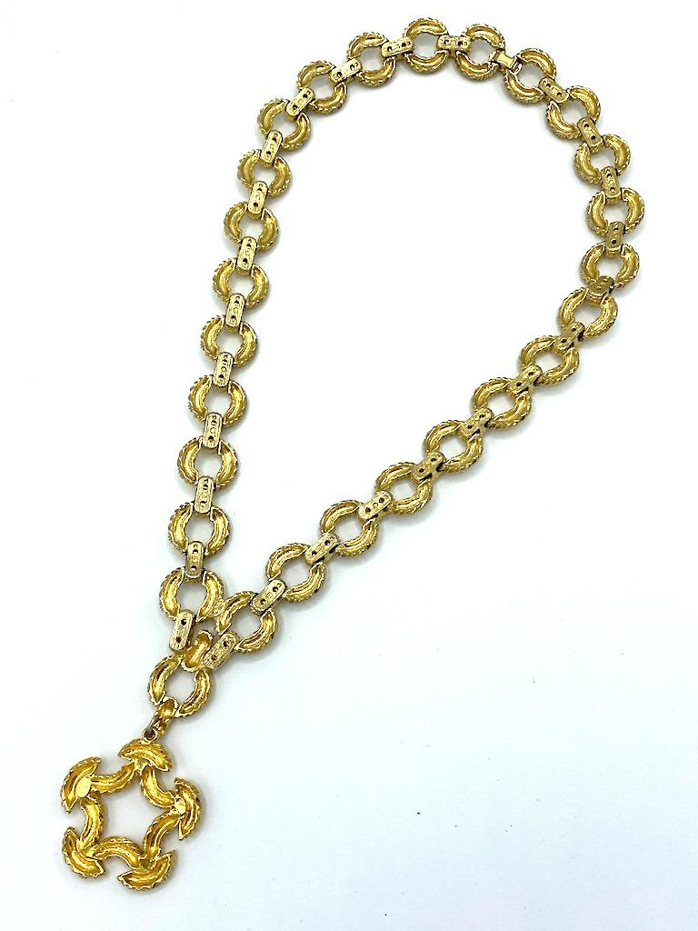 Pauline Rader 1970s Long Gold Rope Link Pendant Necklace For Sale 12