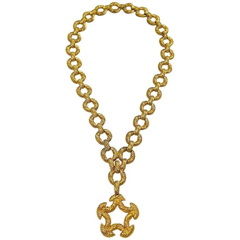 Pauline Rader 1970s Long Gold Rope Link Pendant Necklace For Sale