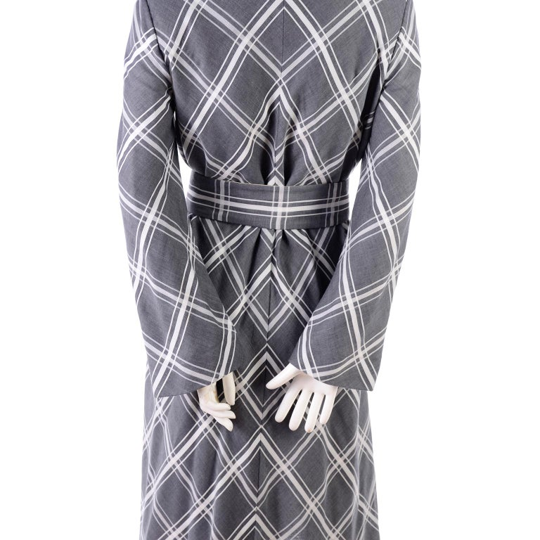 Pauline Trigere Grey & White Plaid Coat Dress w/ Belt In Excellent Condition For Sale In Portland, OR