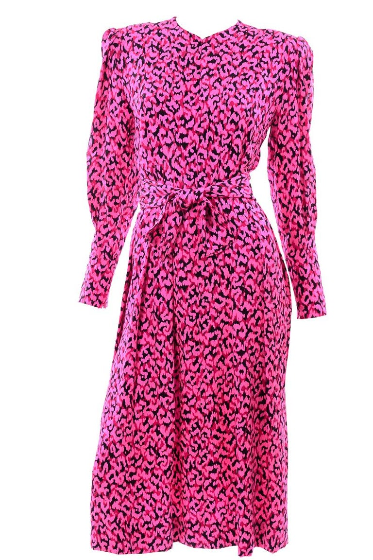 Pauline Trigere Silk Pink Red and Black Abstract Print Dress With Sash For Sale 6