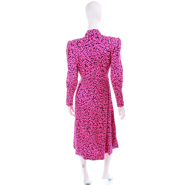 Pauline Trigere Silk Pink Red and Black Abstract Print Dress With Sash For Sale 2