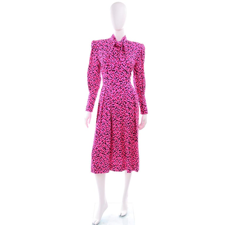 Pauline Trigere Silk Pink Red and Black Abstract Print Dress With Sash For Sale 5