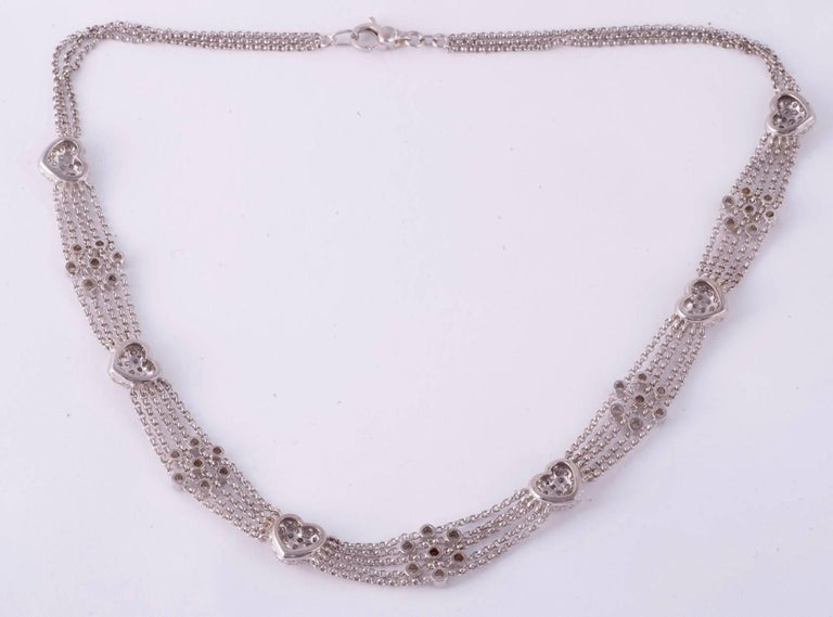 Pavè Diamond Heart Necklace in White Gold In Excellent Condition For Sale In New Orleans, LA