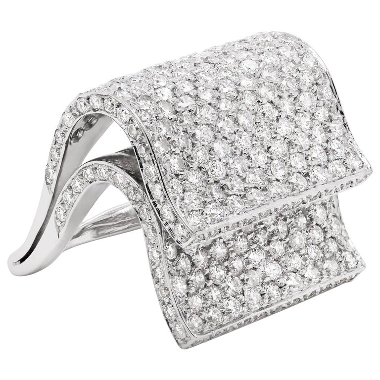 Pavé Diamond 18 Carat White Gold Piano Cocktail Ring For Sale