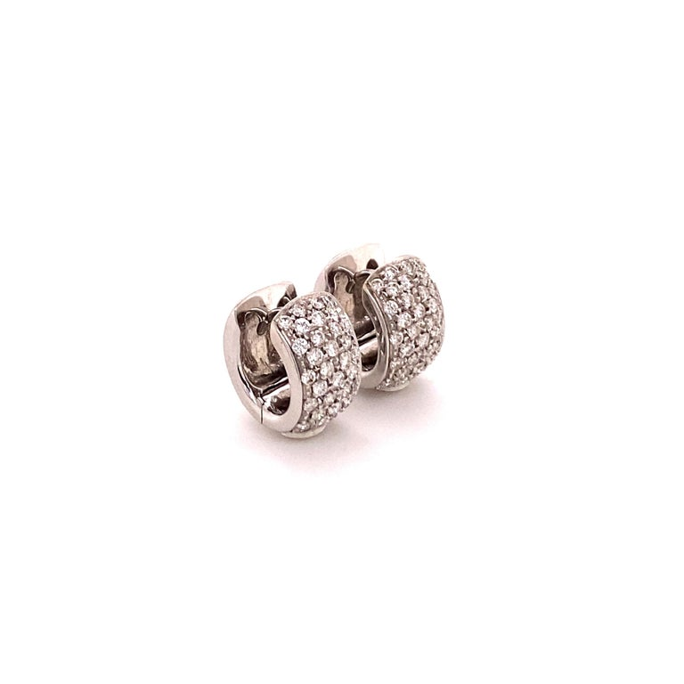 Pavé Diamond Clip-On Earrings in 18 Karat White Gold In Good Condition For Sale In Lucerne, CH