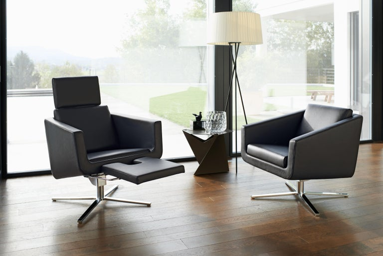 Pavo Adjustable Leather Armchair by FSM For Sale 1