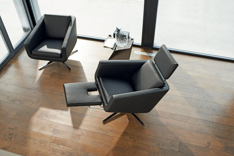 Pavo Adjustable Leather Armchair by FSM For Sale 2