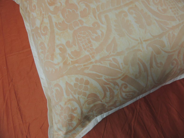 """Italian Peach Fortuny """"Uccelli"""" Printed Vintage Decorative Pillow For Sale"""