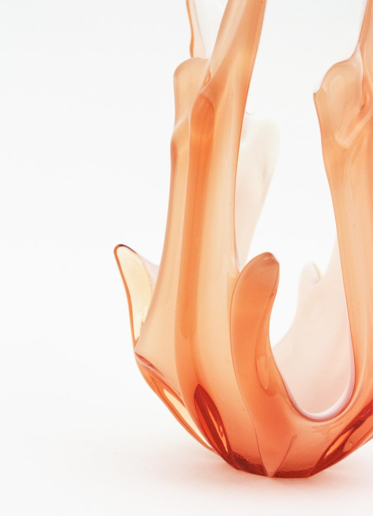Peach Pink and White Murano Art Glass Centerpiece Vase For Sale 1