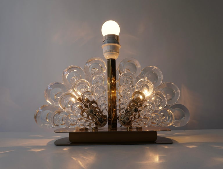 Peacock Table Lamp in Glass and Brass For Sale 2