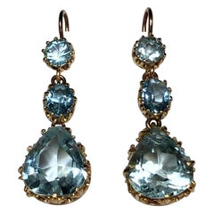 Pear and Old Cut Triple Aquamarine Drop Chandelier Earrings 18 Karat Yellow Gold
