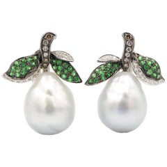 Pear Clip-On Earrings Made of Baroque South Sea Pearl and 18 Karat Gold