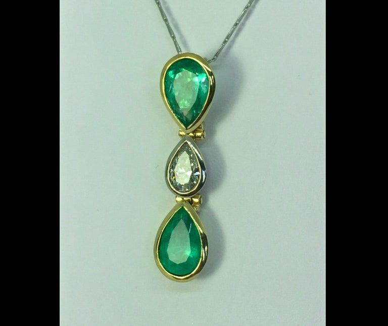6.65 Carat Colombian Emerald Diamond Pear Cut Pendant 18K Gold For Sale 1
