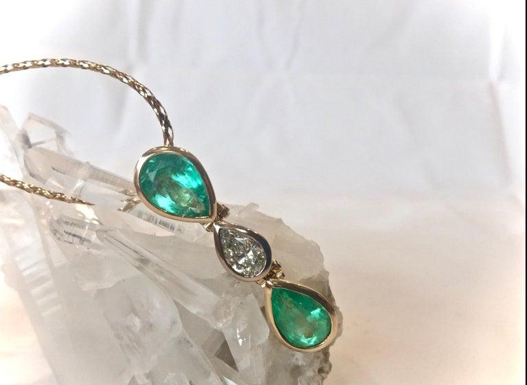 Women's 6.65 Carat Colombian Emerald Diamond Pear Cut Pendant 18K Gold For Sale