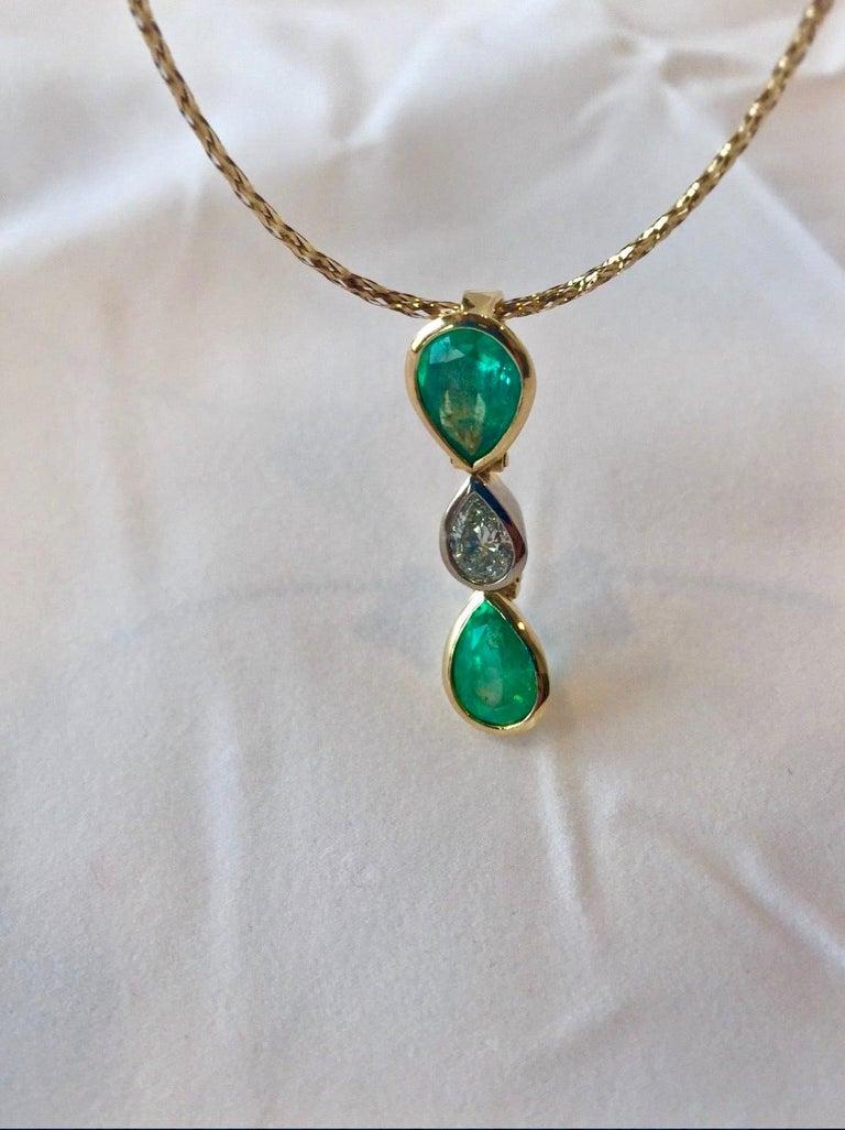 6.65 Carat Colombian Emerald Diamond Pear Cut Pendant 18K Gold For Sale 2