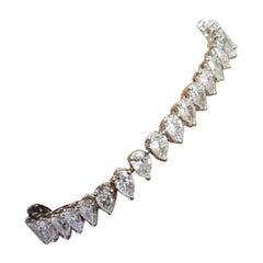 Pear Cut Diamond 1/3 Carat Tennis Bracelet in 18 Karat Gold