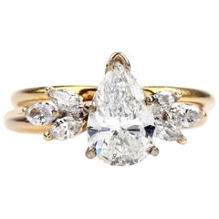 Pear Cut Diamond Gold Bridal Set Engagement Ring and Band