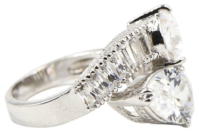 Pear CZ Sterling Silver Bypass Cocktail Ring In Good Condition For Sale In Miami Beach, FL