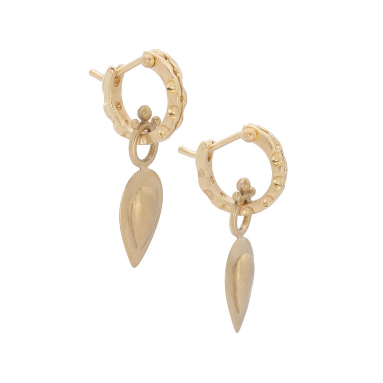 Contemporary Pear Drop Hoop Earrings in 18 Karat Gold For Sale