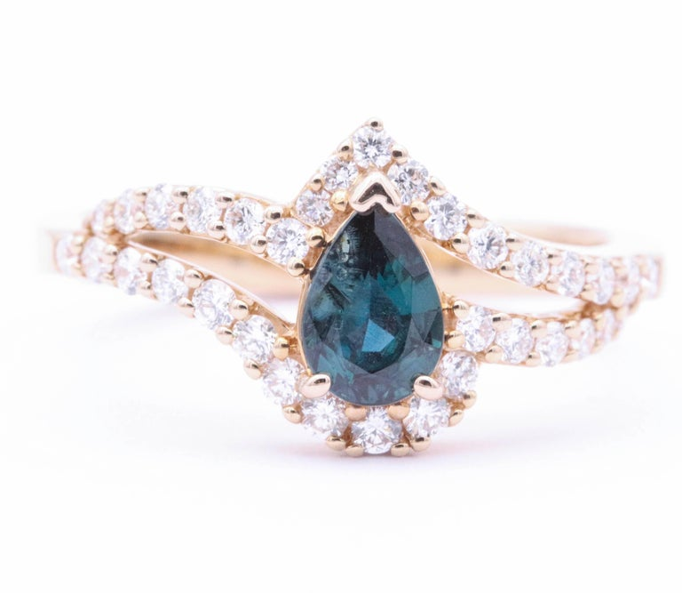 18K Rose Gold 7 x 5 mm Alexandrite 0.48 Cts  diamonds 0.42 Cts. ring top 10 mm