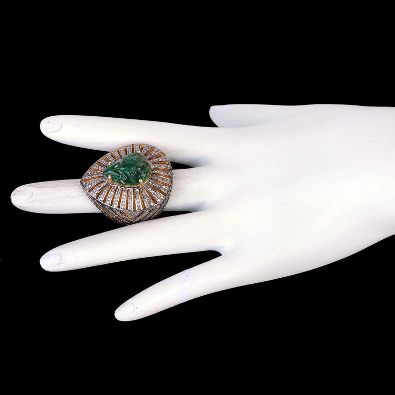 Pear Shape Carved Emerald Ring with Diamonds in Silver In New Condition For Sale In New York, NY