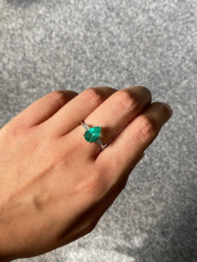 Art Deco Pear Shape Colombian Emerald and Diamond Three Stone Engagement Ring For Sale
