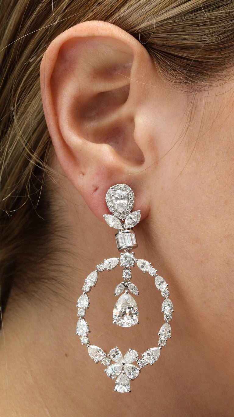 Women's Pear Shape Diamond and White Gold Chandelier Earrings For Sale