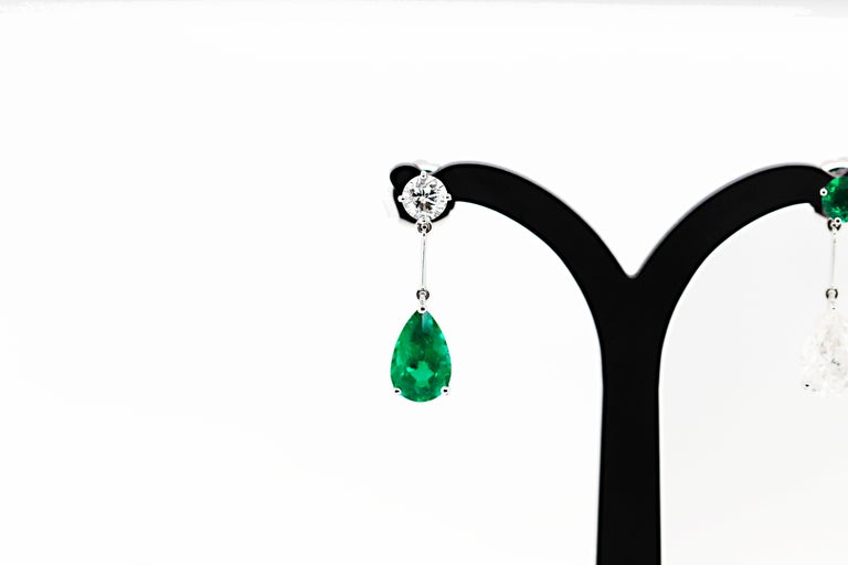 Romantic Pear Shape Emerald and Diamond 18 Carat White Gold Drop Earrings For Sale
