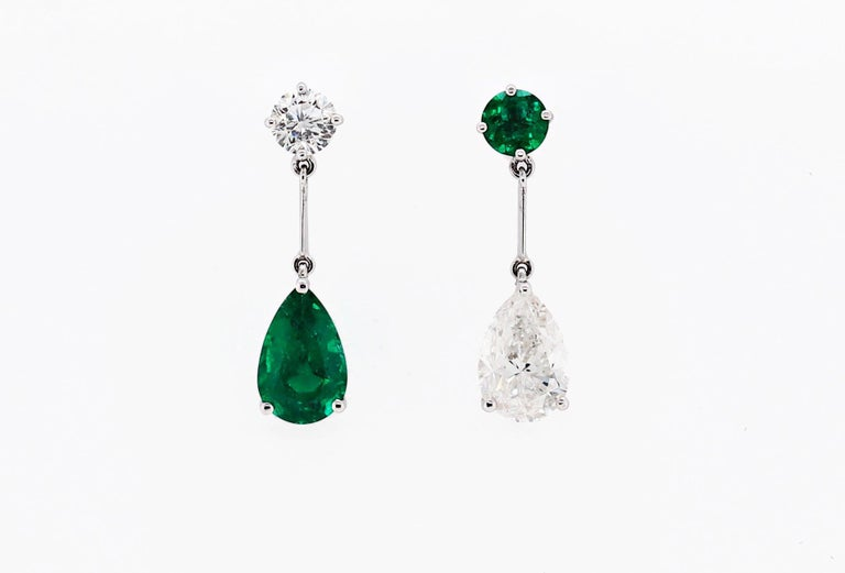 Pear Shape Emerald and Diamond 18 Carat White Gold Drop Earrings In Excellent Condition For Sale In London, GB