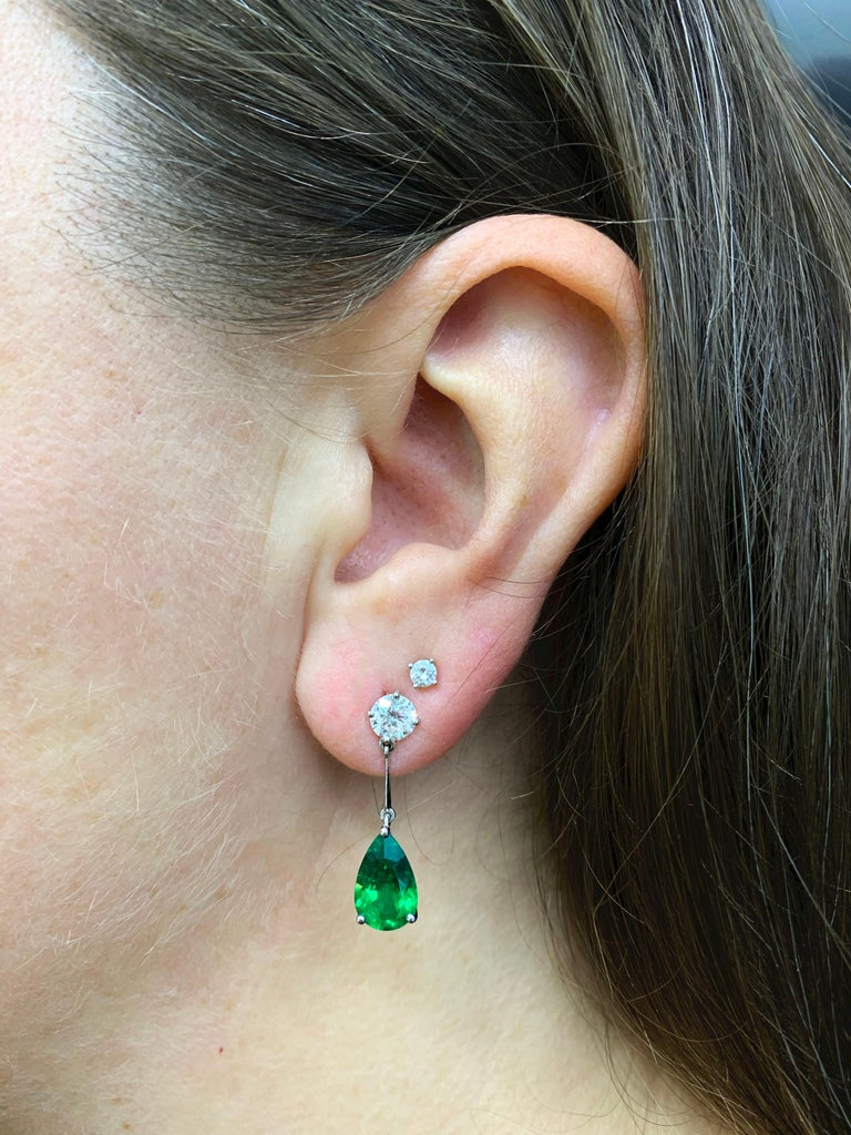 Women's Pear Shape Emerald and Diamond 18 Carat White Gold Drop Earrings For Sale